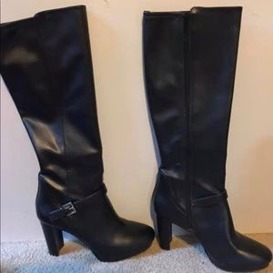 Nine West black boots size 8